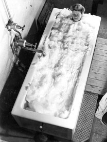 white-rock-baths-foam